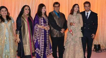 alka yagnik daughter reception photos