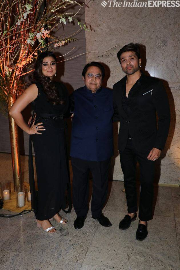 himesh reshammiya with family
