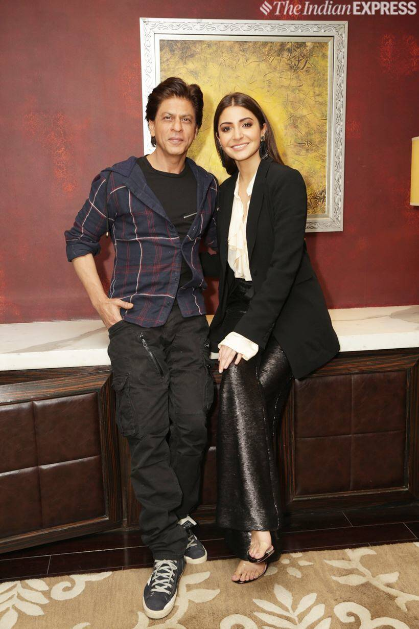 shah rukh khan with anushka sharma