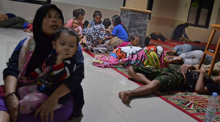Indonesia tsunami kills at least 20, wounds 165