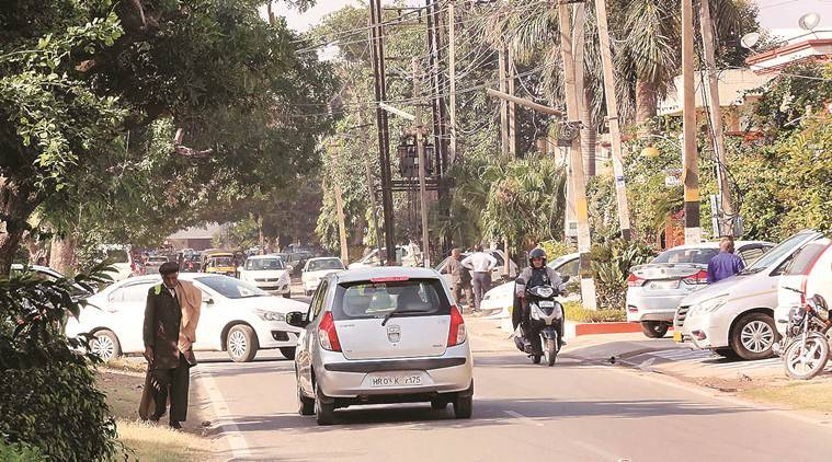 This congested Panchkula road puts cyclists, pedestrians at risk