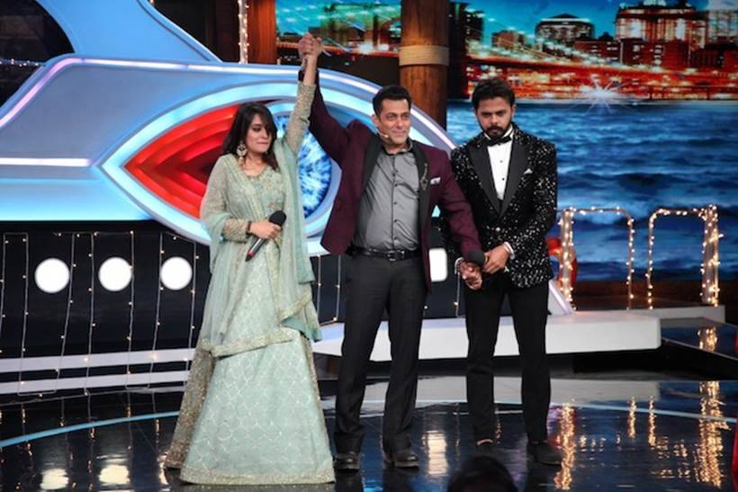 The host Salman Khan announces Dipika Kakkar Ibrahim as the winner of COLORS' Bigg Boss12