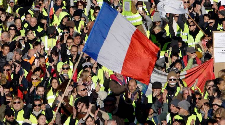 Yellow vest protest, Yellow vest protestors, France Yellow vest protest, Emmanuel Macron, Emmanuel Macron France, France protest, Steeve Briois, Steve Briois France, France Steve Briois, anti immigrant national front, France far right mayor, indian express, world news, latest news