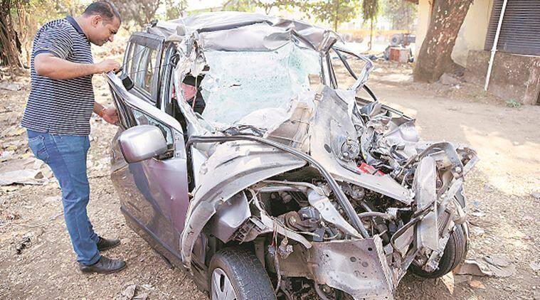 accident, couple dies in accident, couple death in accident, kharghar accident, container truck hits car, fatality, fatal accident, indian express