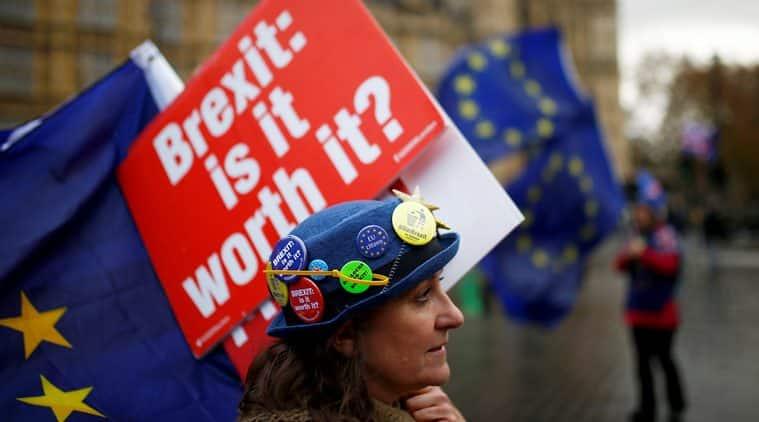 Britain's financial heartland unbowed as Brexit risks deepen