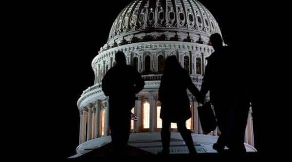 Stopgap bill to avert shutdown punts border wall to next year