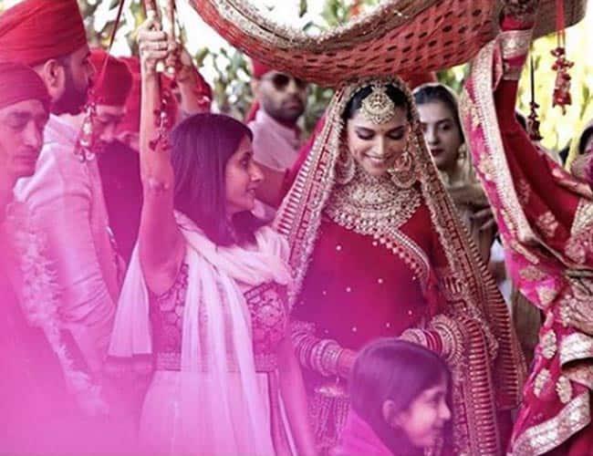 Deepika Padukone, Deepika Padukone latest, Deepika Padukone photos, Deepika Padukone style, Sabyasachi, celeb fashion, bollywood fashion, indian express, indian express news