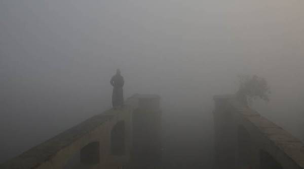 Delhi's air quality deteriorates, six areas record severe pollution
