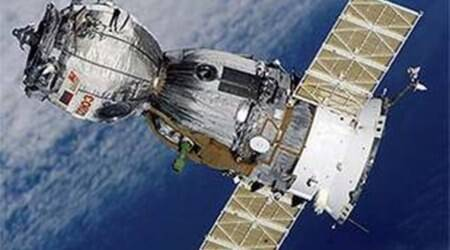 NASA to continue flying astronauts on Russian Soyuz