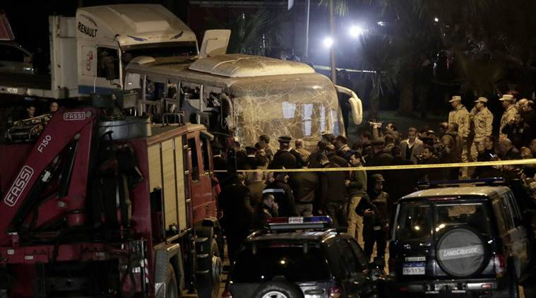 Egypt security forces kill 40 suspected militants after tourist bus bombed