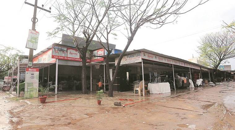 A month after blaze, business as usual at illegal Mohali market
