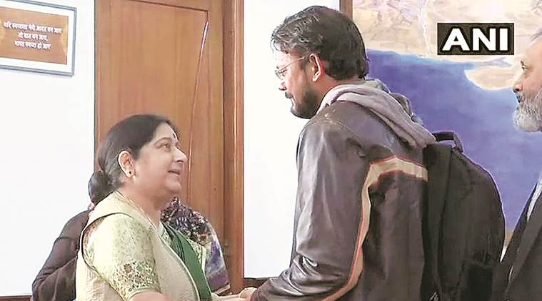 Hamid Nehal Ansari, indian brought home, hamid ansari meets sushma swaraj, Pakistan jail India-Pakistan, indian in pak jail, indian freed from pak jail, indian express, indo pak relations