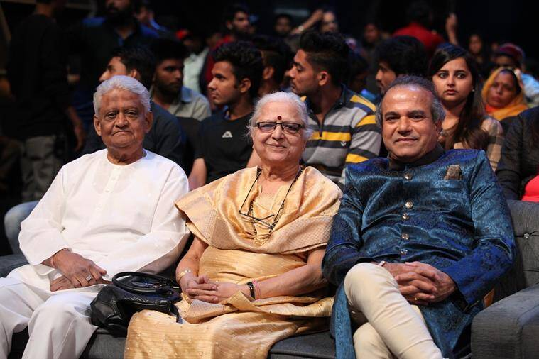 pyarelal with suresh wadekar indian idol 10