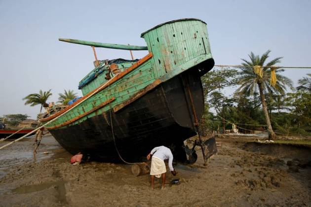 Villagers fear for survival on India's disappearing island