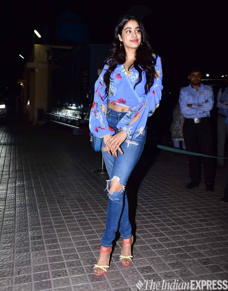Janhvi Kapoor, Ananya Pandey, Kedarnath, Sara Ali Khan, Janhvi Kapoor fashion, Ananya Pandey fashion, Janhvi Kapoor updates, Ananya Pandey updates, Janhvi Kapoor latets pics, Ananya Pandey latets pics, celeb fashion, bollywood fashion, indian express, indian express news