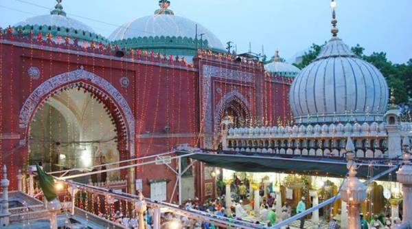 Image result for nizamuddin dargah