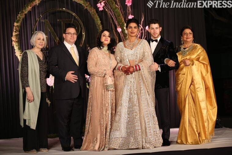 priyanka chopra and nick jonas family at delhi reception