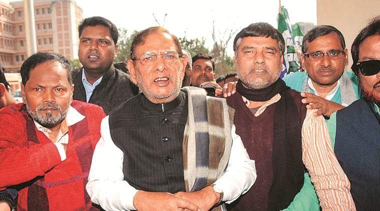 Sharad Yadav meets Lalu in hospital: 'Oppn unity coming forth'