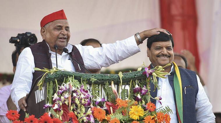 Lucknow: Mulayam Singh Yadav attends brother Shivpal's first rally
