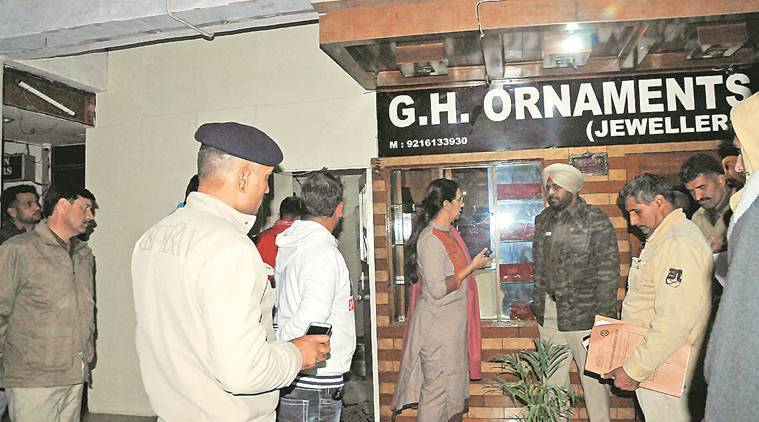 Chandigarh: Manimajra jeweller, employees foil robbery attempt at night