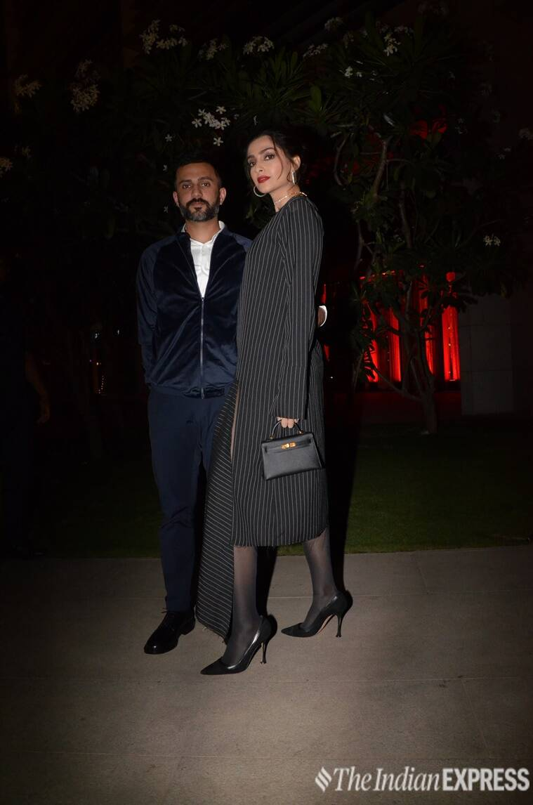 sonam kapoor, sonam kapoor fashion, sonam kapoor latest photos, sonam kapoor anand ahuja, anil kapoor birthday bash, sonam kapoor anil kapoor, sonam kapoor updates, sonam kapoor latest news, sonam kapoor style, sonam kapoor airport fashion, celeb fashion, bollywood fashion, indian express, indian express news