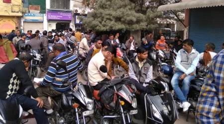Delhi: Hundreds stage protest against security firm over wage discrepancies