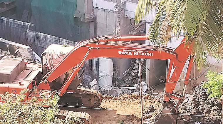 Two dead in wall collapse at Tardeo