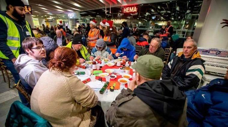 Langar was served to over 200 homeless people at United Kingdom's Birmingham station this Christmas.