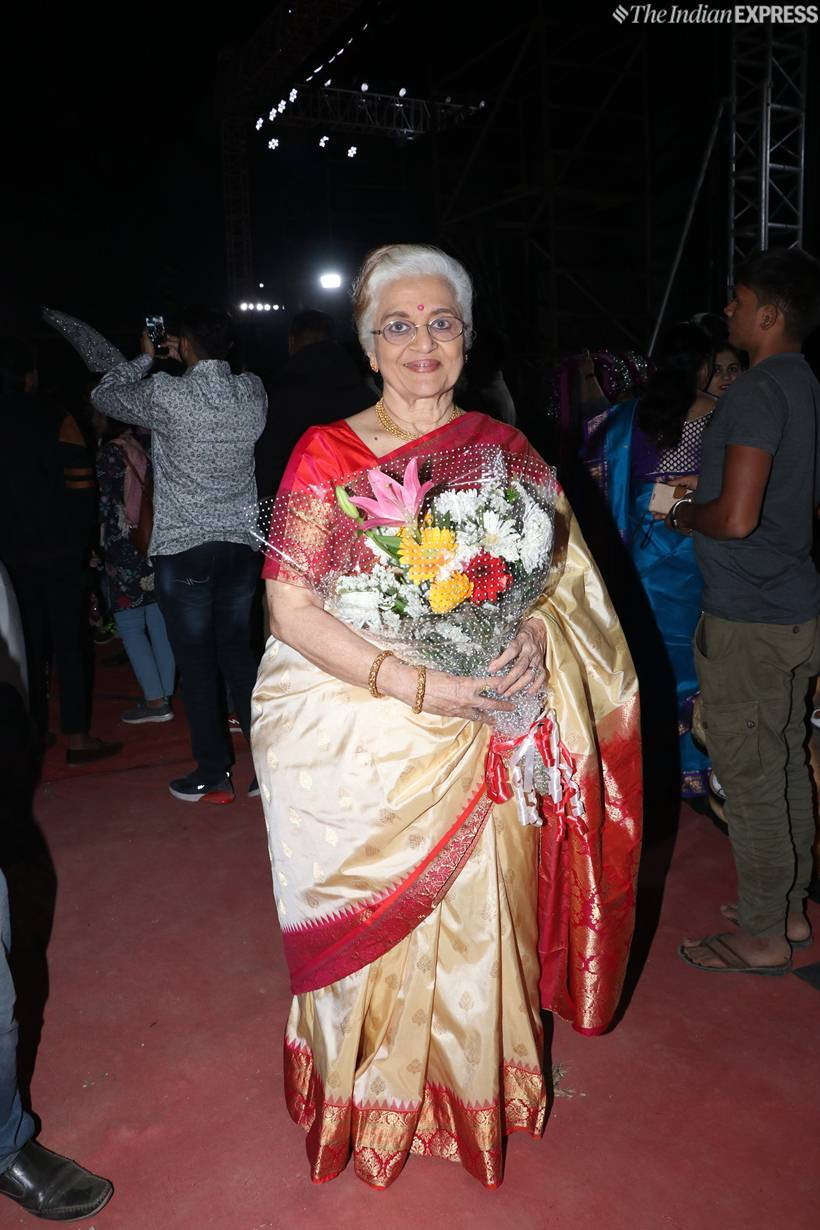 asha parekh at an award show in mumbai