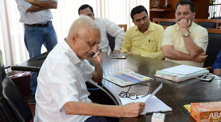 Ailing Goa CM Manohar Parrikar attends office for first time in 4 months