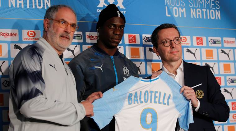 02c13fbcd9fc7 Olympique Marseille's newly-signed player Mario Balotelli (C). (Source: AP)