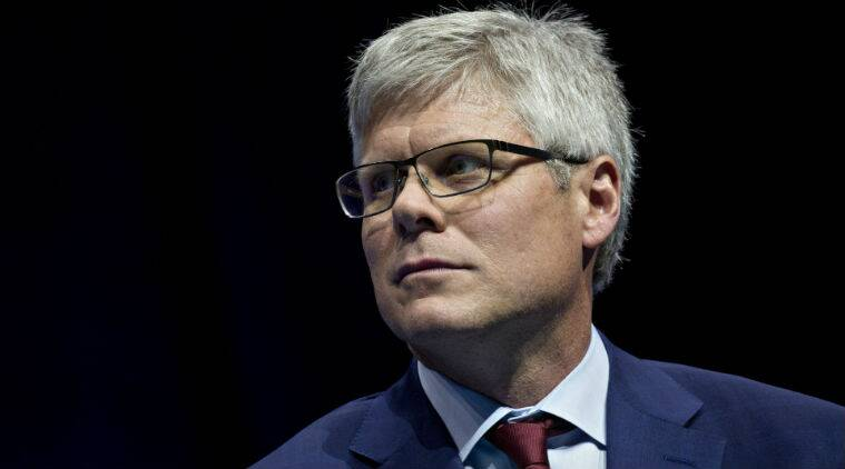Apple demanded $1 billion for chance to win iPhone: Qualcomm CEO