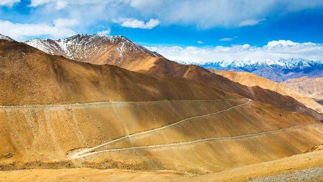 dangerous roads, dangerous roads of india, highest altitude roads, Zoji La Pass, Rohtang Pass, Chang La Pass, Gata Loops, Bum La Pass, Killar-Kishtwar Road, Sikkim's 3-level zigzag road, leh ladakh, indian express, indian express news