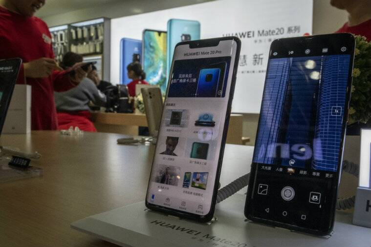 China, Smartphone, Apple, Huawei Technologies, Samsung, Xiaomi Tech, Timothy D Cook, Computers and the Internet, iPhone, Android, Mobile Commerce