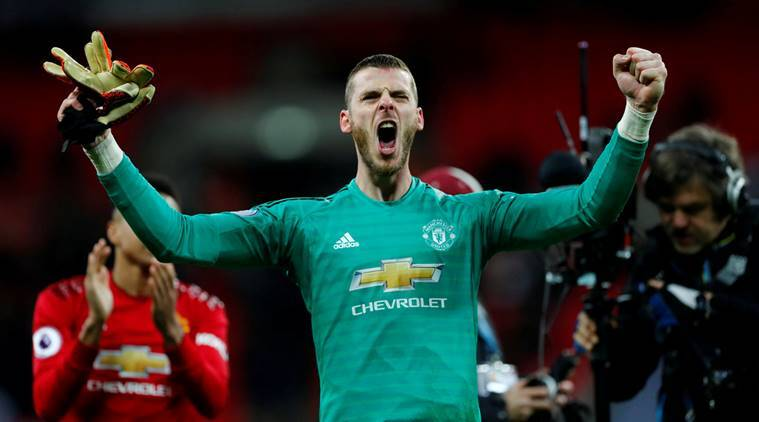 Manchester United's David de Gea celebrates at the end of the match against Tottenham