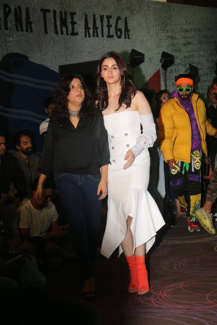Ranveer Singh, Alia Bhatt, Gully Boy, Farhan Akhtar, Zoya Akhtar, Ranveer Singh fashion, Alia Bhatt fashion, Ranveer Singh latest news, Alia Bhatt latest news, Gully Boy trailer launch Ranveer Singh Gully Boy Trailer launch, Alia Bhatt Gully Boy trailer launch, celeb fashion, bollywood fashion, indian express, indian express news