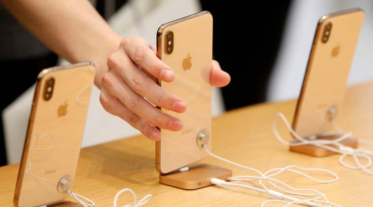 Apple, Apple iPhone XS, Apple iPhone XS demand, iPhone product, Apple cuts iPhone product, Apple iPhone product slashed, iPhone sales