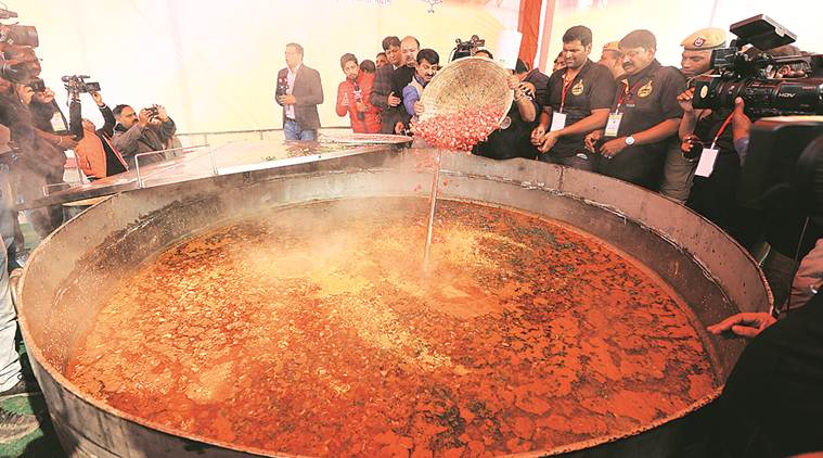 80 cops reach late at Khichdi feast, asked to march at Rajghat