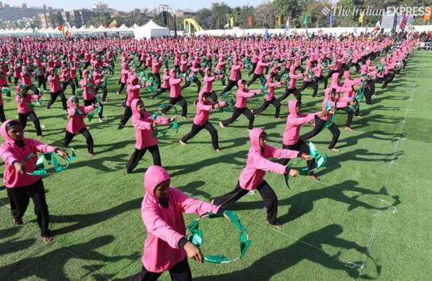 international kite festival, kite festival ahmedabad, sabarmati riverfront kite festival, vijay rupani, op kohli, gujarat, uttarayan, makar sankranti, indian express news