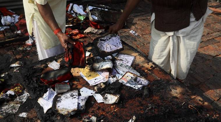 kumbh mela, kumbh mela prayagraj, kumbh mela fire, fire at kumbh mela site, gas cylinder explosion, prayagraj, indian express news