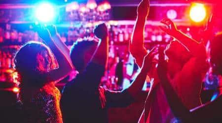 delhi, delhi news, delhi night clubs, delhi hotels, raids in delhi nigh clubs, Mnky Houz, Roar, nehru place, liquor licence, indian express