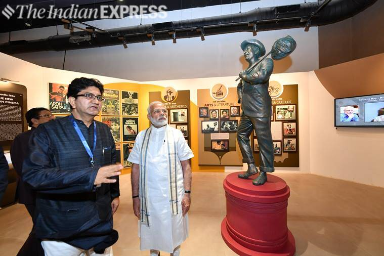 prasoon joshi with pm modi