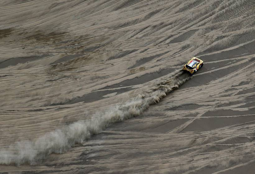 Rallying: The Dakar, a world of sand and solitude