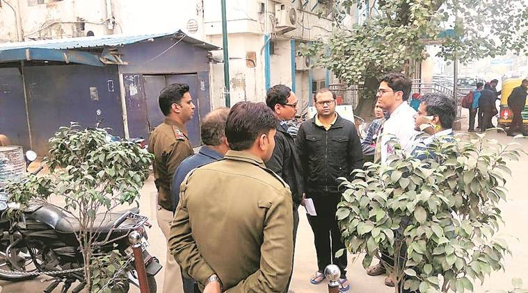 Safdarjung docs on indefinite strike after 'assault' by cop's son