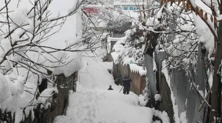 kashmir snowfall, jammu and kashmir snowfall, bandipora heavy snowfall, snowfall in bandipora, indian express news