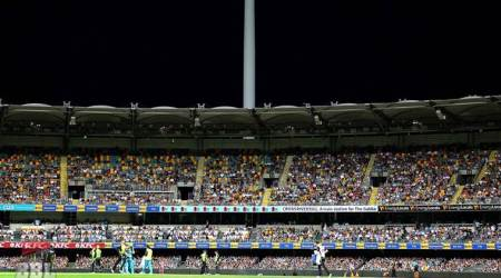 Big Bash League: Sydney Thunder left fuming after light-failure in stadium leads to called-offmatch