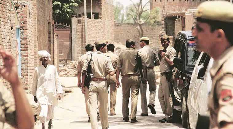 lucknow, criminal surrenders, police, gangster, police custody, muzaffarnagar, court, uttar pradesh news, indian express news