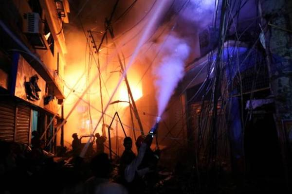 Bangladesh fire HIGHLIGHTS: 70 dead, authorities call off rescue