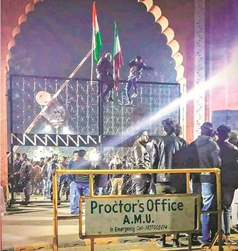 amu clash, aligarh muslim university, aligarh muslim university republic tv clash, republic tv amu, latest news, indian express