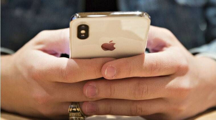 Apple releases software fix for FaceTime eavesdropping flaw